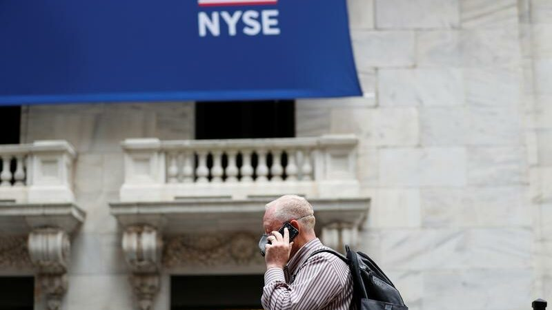 Wall Street gears up for second bout against Reddit traders